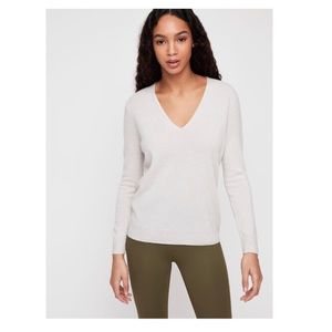 the group babaton - cashmere v-neck sweater